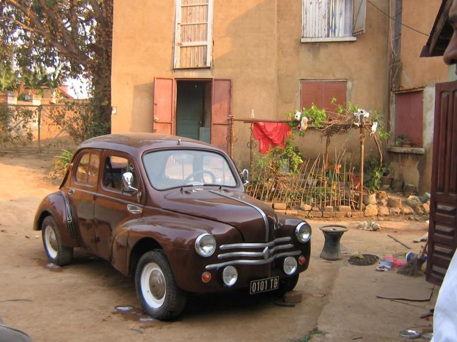 vend renault 4cv - voitures anciennes