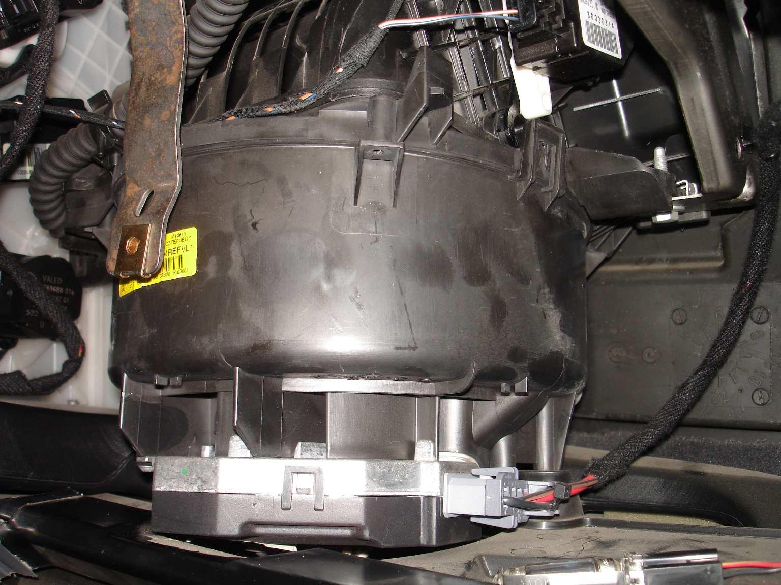 Pulseur clim a changer saab 9 3 essence auto for Clim d interieur