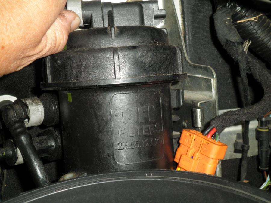 comment changer le filtre a gasoil sur le jumper - Citroen ...