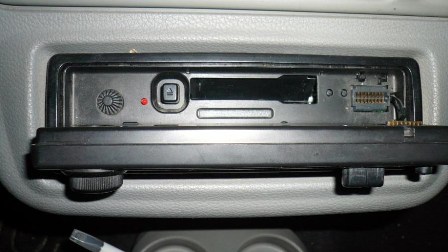 changer l 39 auto radio renault twingo essence auto evasion forum auto. Black Bedroom Furniture Sets. Home Design Ideas