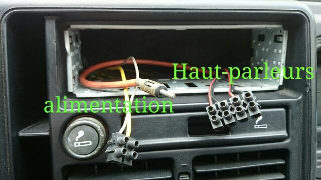 brancher connecteur autoradio au cable de la voiture discussion sur l 39 automobile auto. Black Bedroom Furniture Sets. Home Design Ideas