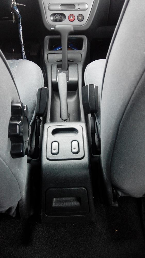 t moin lumineux du frein main clignote tout le temps peugeot 306 essence auto. Black Bedroom Furniture Sets. Home Design Ideas