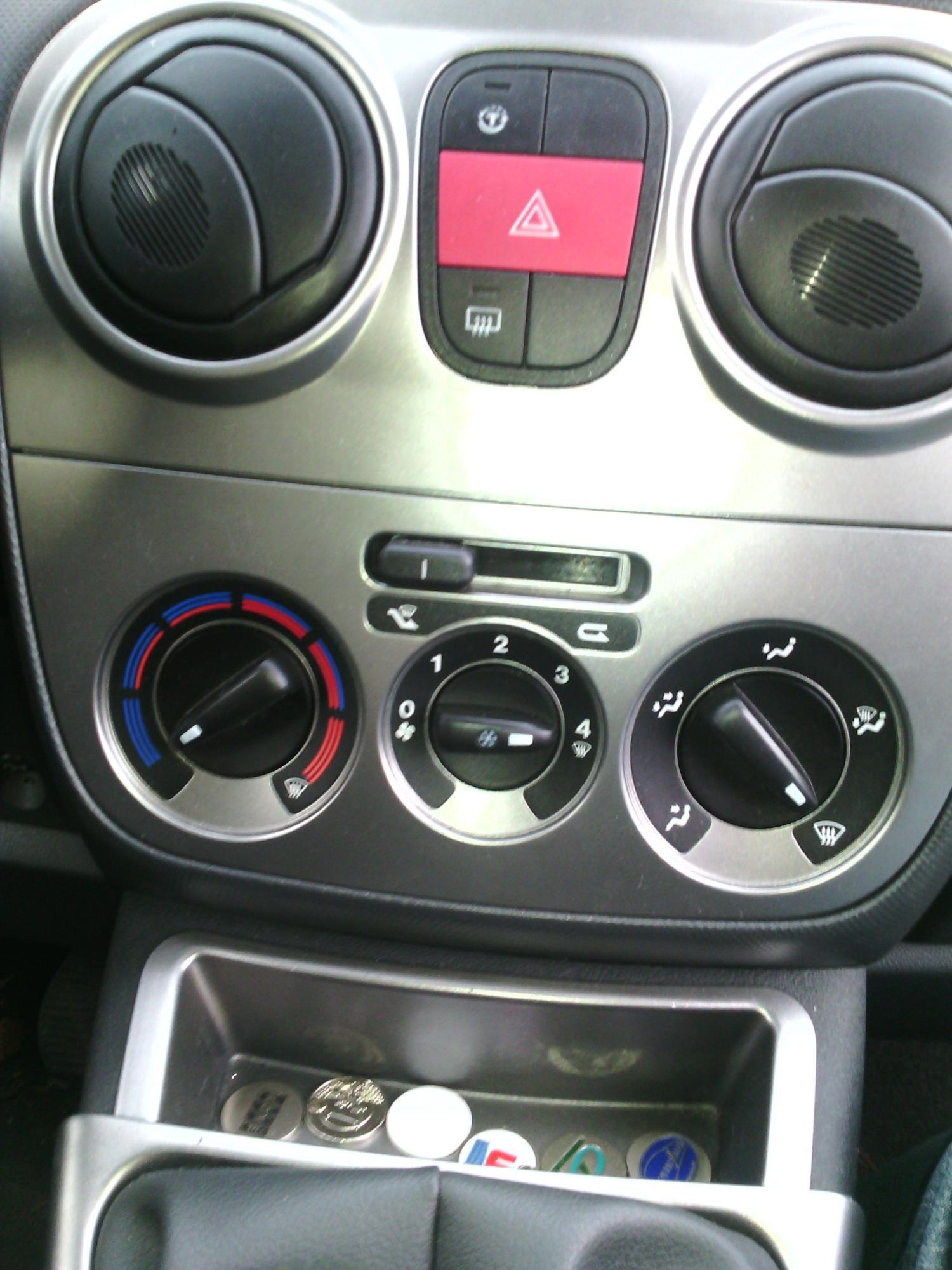 Bouton de chauffage bloqué sur froid - Fiat - Fiorino Qubo ...