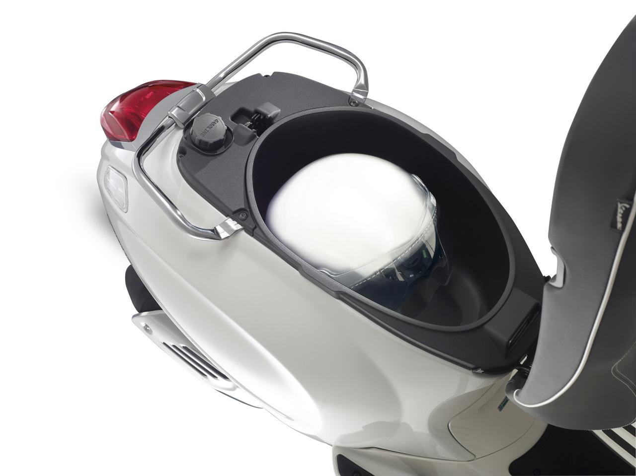 essai du scooter vespa 125 sprint photo 5 l 39 argus. Black Bedroom Furniture Sets. Home Design Ideas