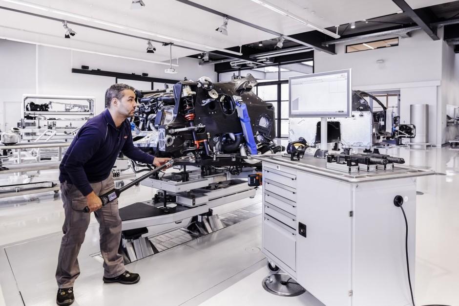 visite de l 39 usine bugatti de molsheim l 39 usine de la bugatti chiron photo 6 l 39 argus. Black Bedroom Furniture Sets. Home Design Ideas
