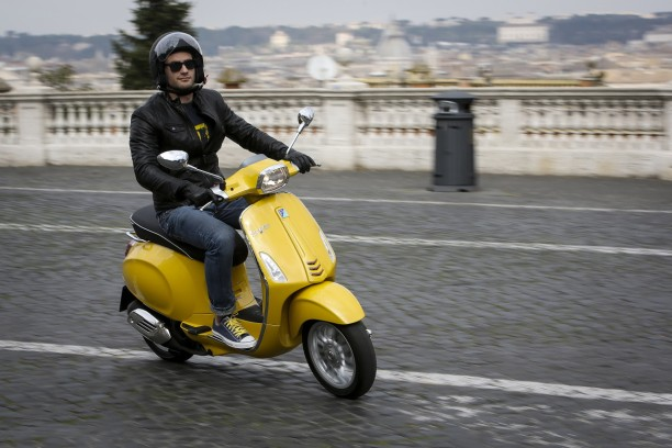 essai du scooter vespa 125 sprint l 39 argus. Black Bedroom Furniture Sets. Home Design Ideas