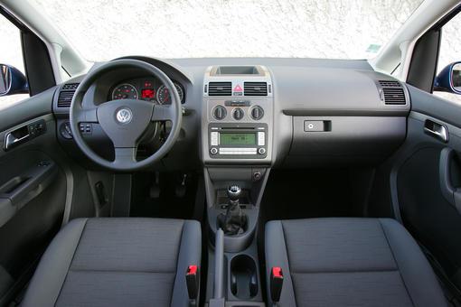 Citroën C4 Picasso 1.6 HDi vs Volkswagen Touran 1.9 TDI ...