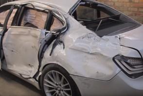 Une épave de BMW Série 7 entièrement reconstruite