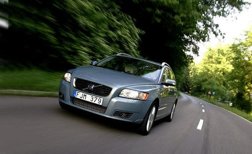 volvo v50 d5 geartronic summum l 39 argus. Black Bedroom Furniture Sets. Home Design Ideas
