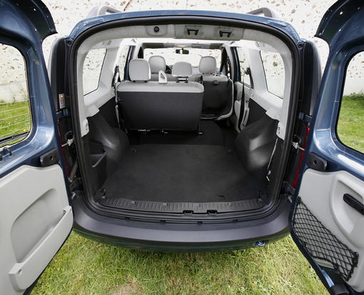 dacia logan mcv 1 5 dci laur ate face kia cee 39 d sw1 6 crdi motion photo 8 l 39 argus. Black Bedroom Furniture Sets. Home Design Ideas