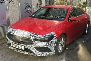 La nouvelle Mercedes CLA surprise en pleine rue