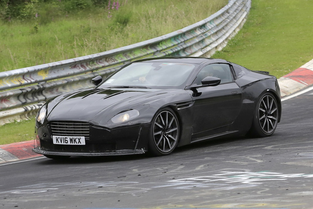 aston martin vantage 2017 premiers spyshots de la petite. Black Bedroom Furniture Sets. Home Design Ideas