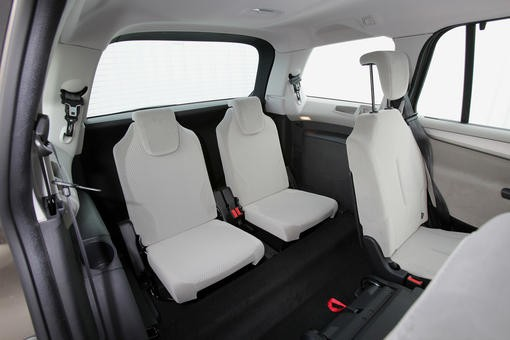 comparatif volkswagen touran citro n c4 grand picasso renault grand sc nic photo 4 l. Black Bedroom Furniture Sets. Home Design Ideas