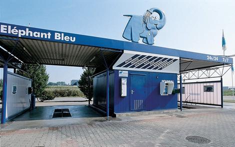 photo el phant bleu 25 ans au service du lavage automobile l 39 argus pro. Black Bedroom Furniture Sets. Home Design Ideas