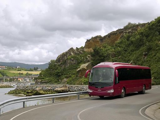 LOIN DEVANT Avec une moyenne de 44 g de CO2/km etpar passager, l'autocar se positionne comme le moyen de transport le plus écologique. Photo D.R.