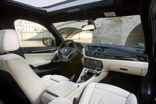comparatif bmw x1 x drive luxe audi a4 allroad 2 0 tdi ambiente le x1 tous azimuts. Black Bedroom Furniture Sets. Home Design Ideas
