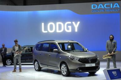 dacia lodgy 7 places pour 9 900 euros l 39 argus. Black Bedroom Furniture Sets. Home Design Ideas
