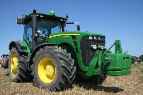 baisse mod r e du march 2009 des tracteurs agricoles photo 1 l 39 argus. Black Bedroom Furniture Sets. Home Design Ideas