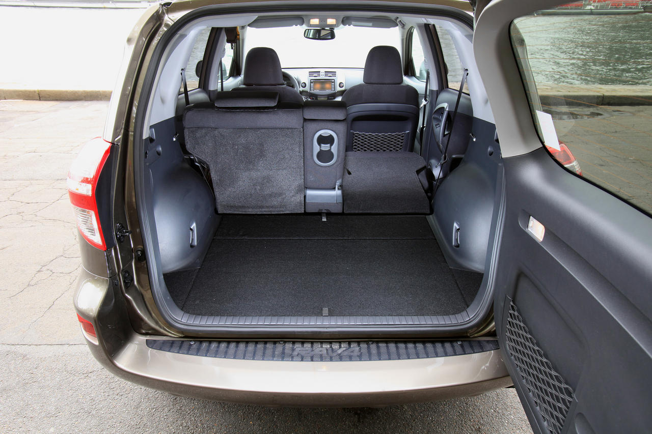 toyota rav4 r sistance active photo 2 l 39 argus. Black Bedroom Furniture Sets. Home Design Ideas