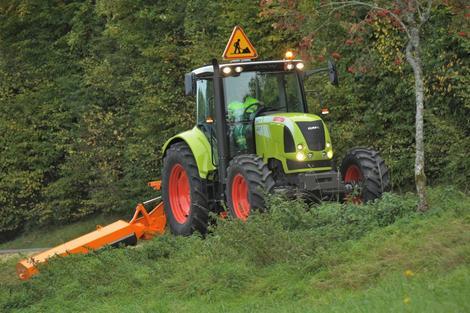 claas lance deux nouveaux tracteurs pour les collectivit s l 39 argus. Black Bedroom Furniture Sets. Home Design Ideas