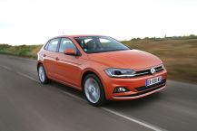 VW Polo orange travelling avant droit