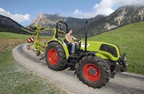 elios le tracteur tout faire de claas l 39 argus. Black Bedroom Furniture Sets. Home Design Ideas