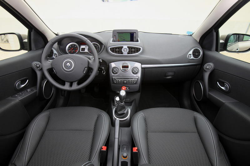 la seat ibiza st face la renault clio estate photo 6 l 39 argus. Black Bedroom Furniture Sets. Home Design Ideas