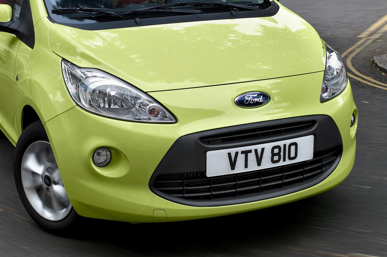 ford annonce l 39 arriv e d 39 une petite voiture pour 2012. Black Bedroom Furniture Sets. Home Design Ideas