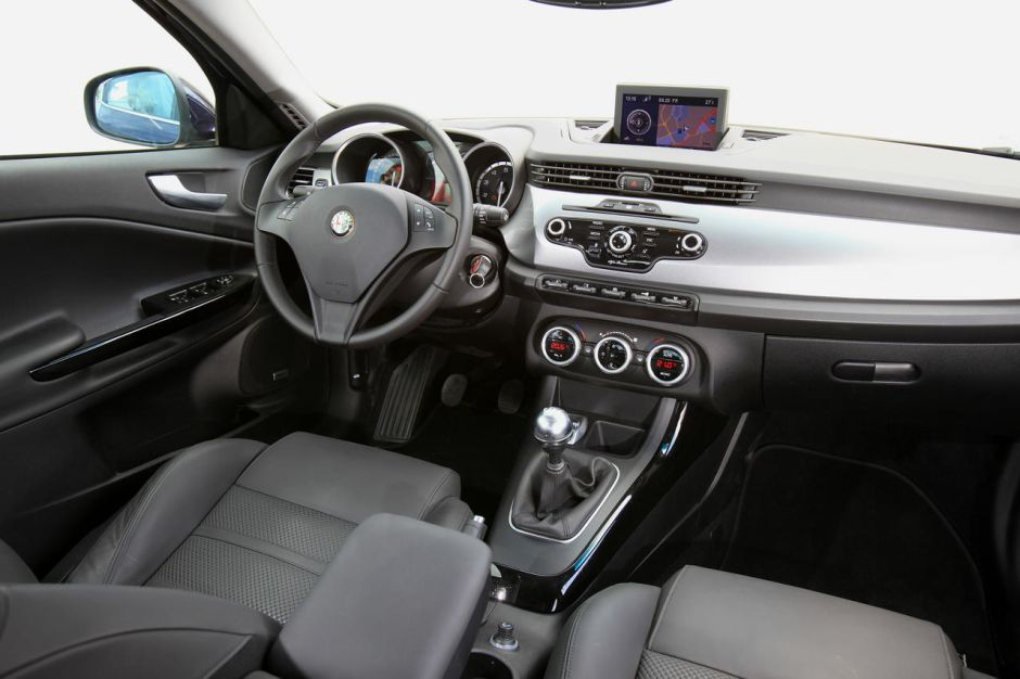 alfa romeo giulietta 1 4 multiair 170 passion r compens e photo 4 l 39 argus. Black Bedroom Furniture Sets. Home Design Ideas