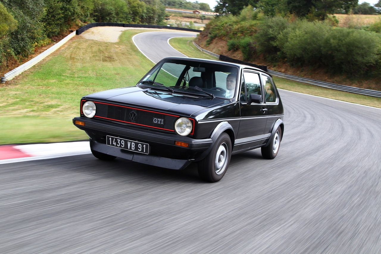 Volkswagen Golf GTI 1976 vs Golf GTI 2016  le match en 30