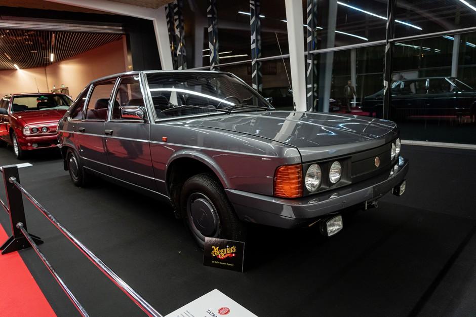 top 50 des voitures les plus moches d 39 hier et d 39 aujourd 39 hui 1978 porsche 928 l 39 argus. Black Bedroom Furniture Sets. Home Design Ideas