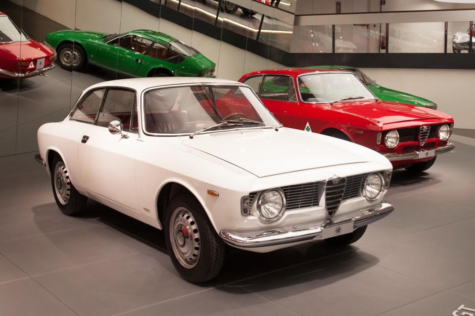 Le mus e alfa romeo d 39 arese italie 20 alfa romeo 1300 - Alfa romeo coupe bertone 2000 a vendre ...