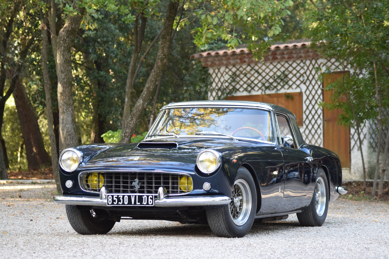 r tromobile 2016 les stars de la vente artcurial 1960 ferrari 250 gt cabriolet pininfarina. Black Bedroom Furniture Sets. Home Design Ideas
