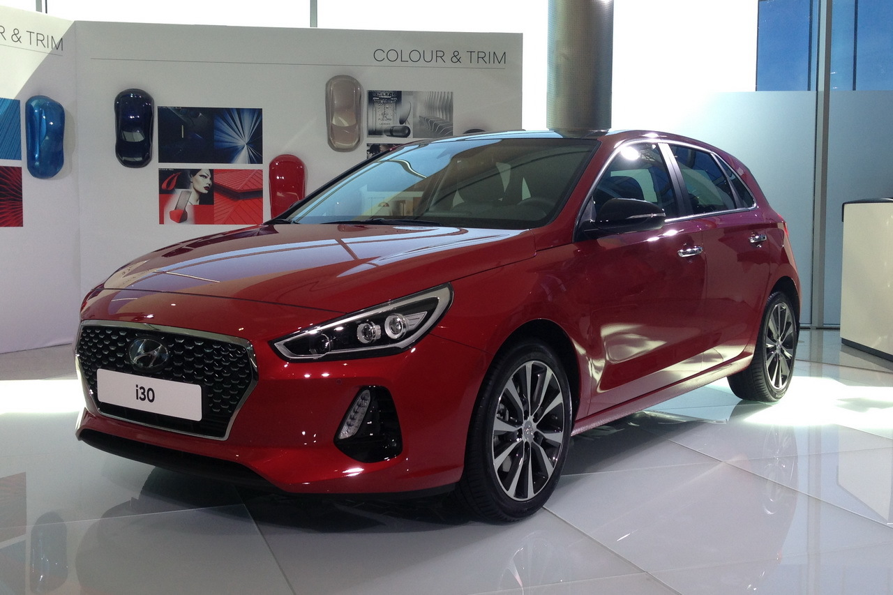 hyundai i30 2016 premi res photos de la nouvelle i30 l 39 argus. Black Bedroom Furniture Sets. Home Design Ideas