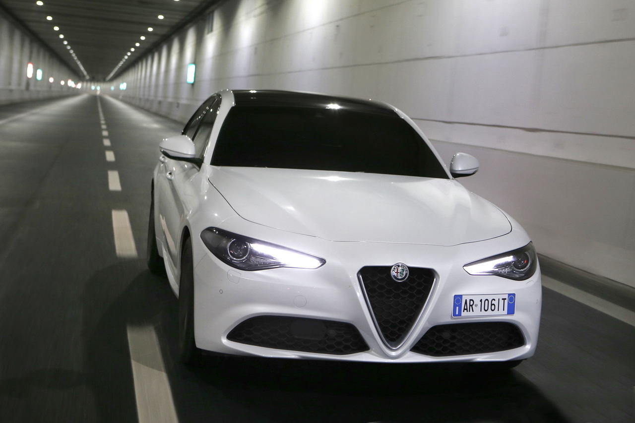 alfa romeo giulia 2016 prix moteurs quipement tout sur la giulia photo 9 l 39 argus. Black Bedroom Furniture Sets. Home Design Ideas