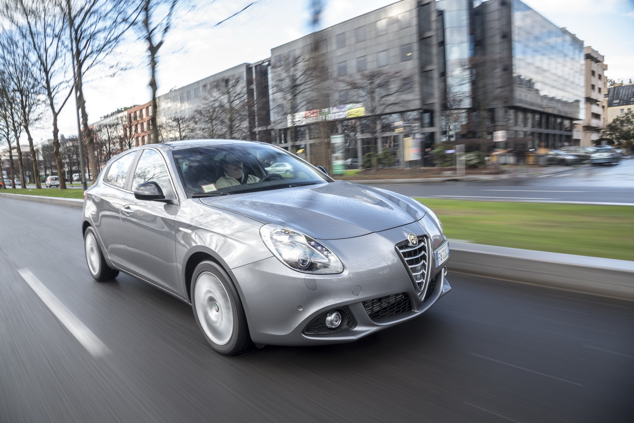 essai alfa romeo giulietta 1 6 jtdm 120 un bon moteur diesel l 39 argus. Black Bedroom Furniture Sets. Home Design Ideas