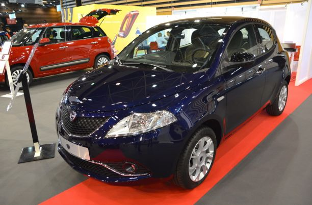 http://www.largus.fr/images/images/2016-lancia-ypsilon-01.jpg?width=612&quality=80