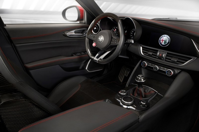 alfa romeo giulia nouvelles photos en version quadrifoglio photo 4 l 39 argus. Black Bedroom Furniture Sets. Home Design Ideas