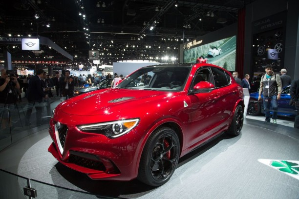 alfa romeo stelvio 2017 infos et photos officielles du. Black Bedroom Furniture Sets. Home Design Ideas