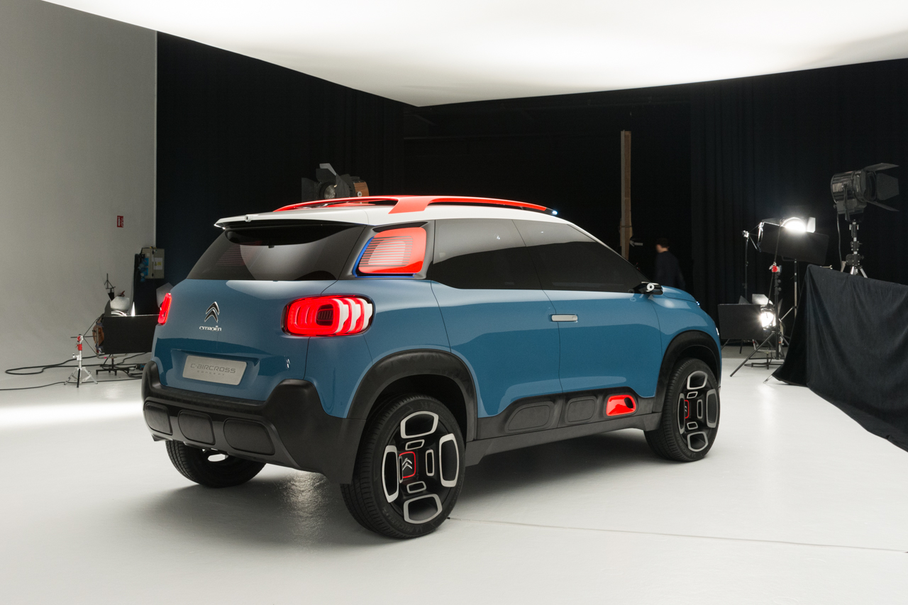 citroen c3 aircross c aircross concept 2017 p gina 2. Black Bedroom Furniture Sets. Home Design Ideas