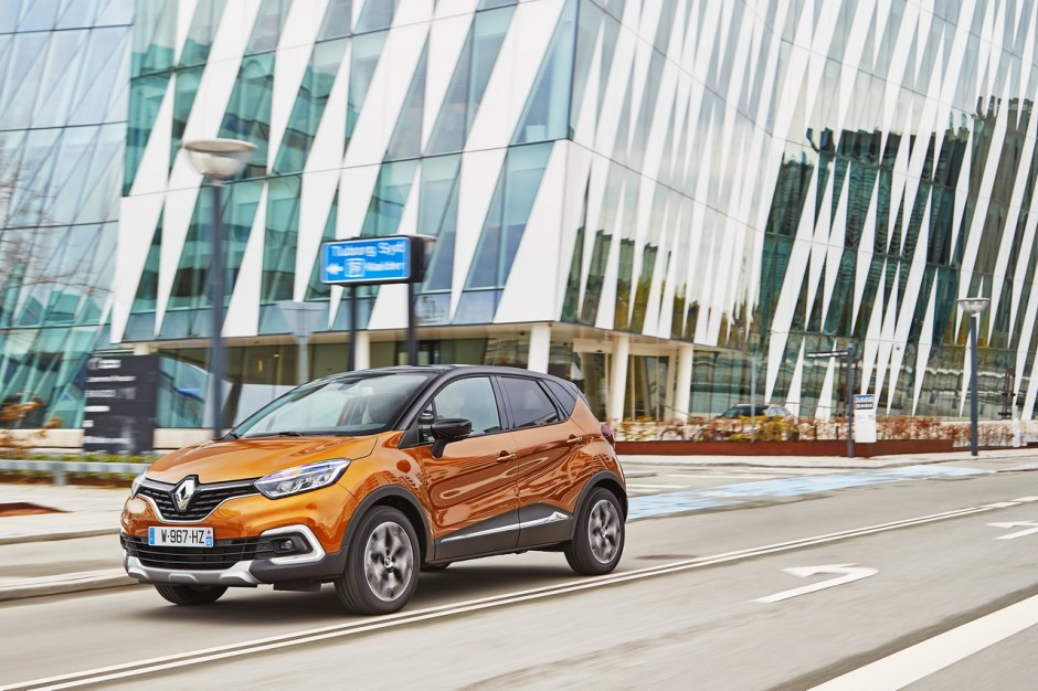 essai renault captur 2017 notre avis sur le captur tce 120 bvm photo 11 l 39 argus. Black Bedroom Furniture Sets. Home Design Ideas