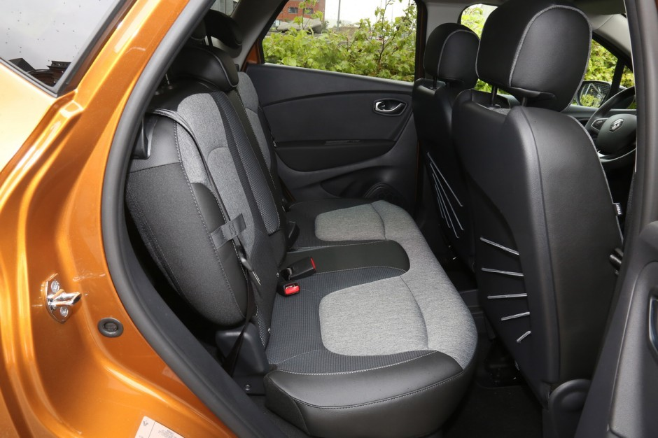 essai renault captur 2017 notre avis sur le captur tce 120 bvm photo 20 l 39 argus. Black Bedroom Furniture Sets. Home Design Ideas