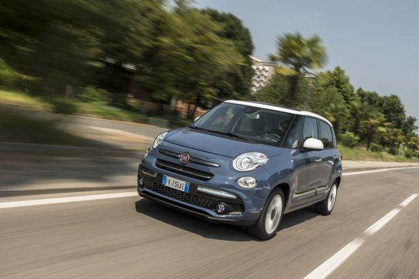 2408da9d0553 La nouvelle Fiat 500L est proposée en plusieurs versions   classique (en  photo),