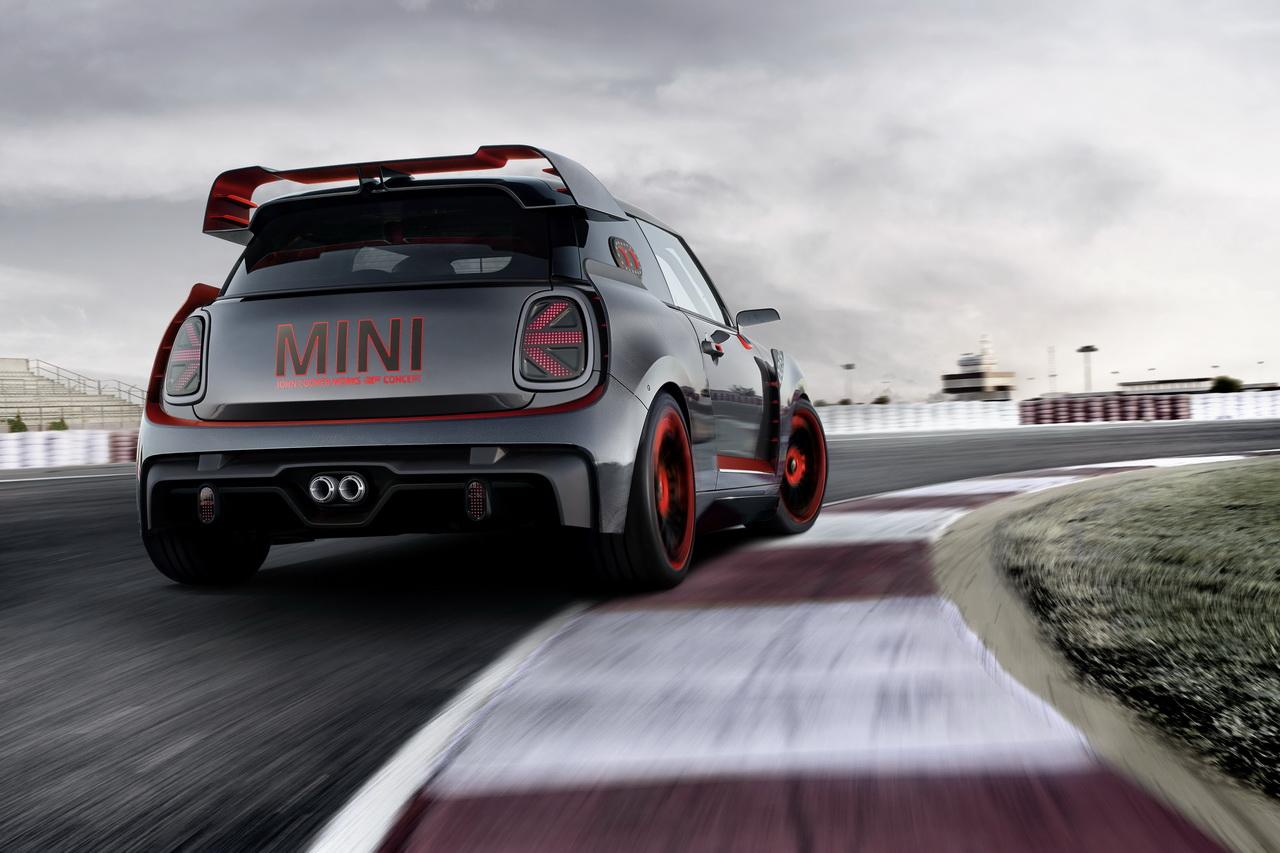 Mini John Cooper Works GP Concept : clin d'oeil au passé de la marque