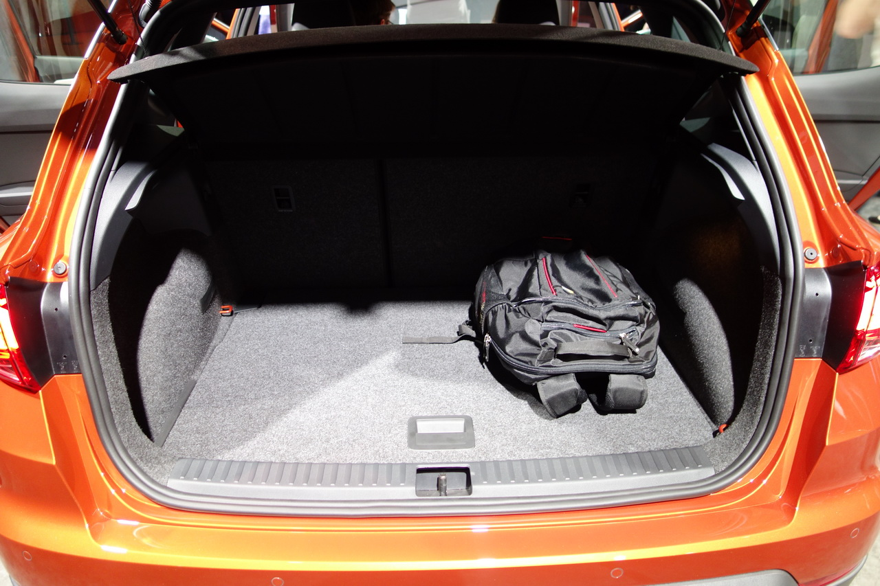 seat arona avis et impressions sur le nouveau suv urbain de seat photo 21 l 39 argus. Black Bedroom Furniture Sets. Home Design Ideas