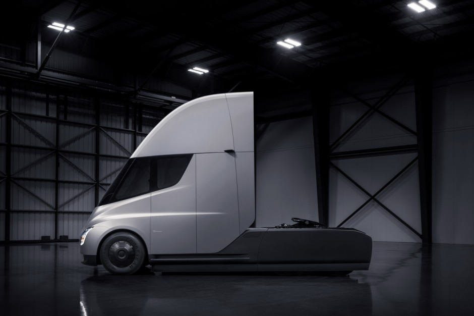 tesla semi infos et photos du camion lectrique de tesla photo 12 l 39 argus. Black Bedroom Furniture Sets. Home Design Ideas