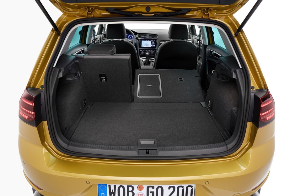 coffre golf 7 essai nouvelle volkswagen golf vii tdi 150 toujours au top les volkswagen golf 7. Black Bedroom Furniture Sets. Home Design Ideas