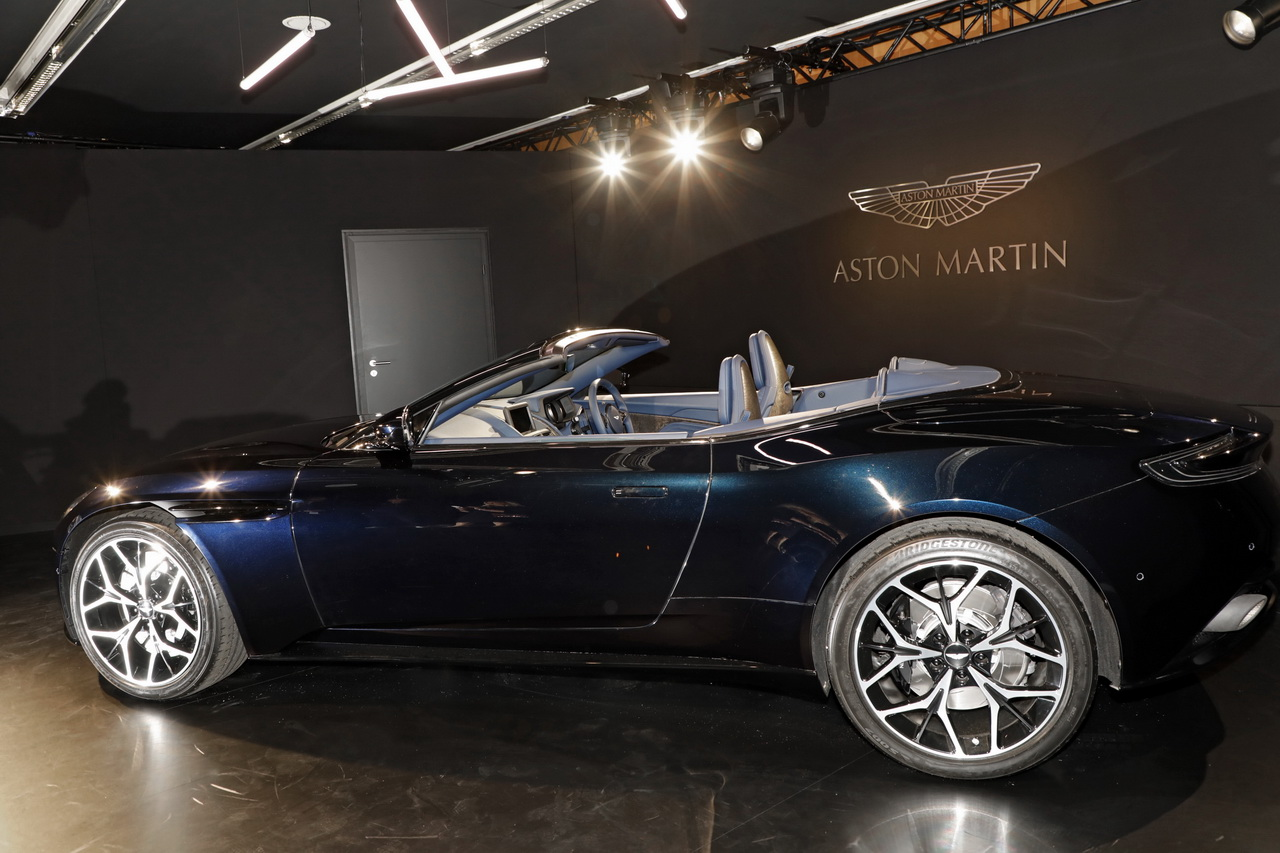 aston martin db11 volante le plus beau cabriolet du. Black Bedroom Furniture Sets. Home Design Ideas