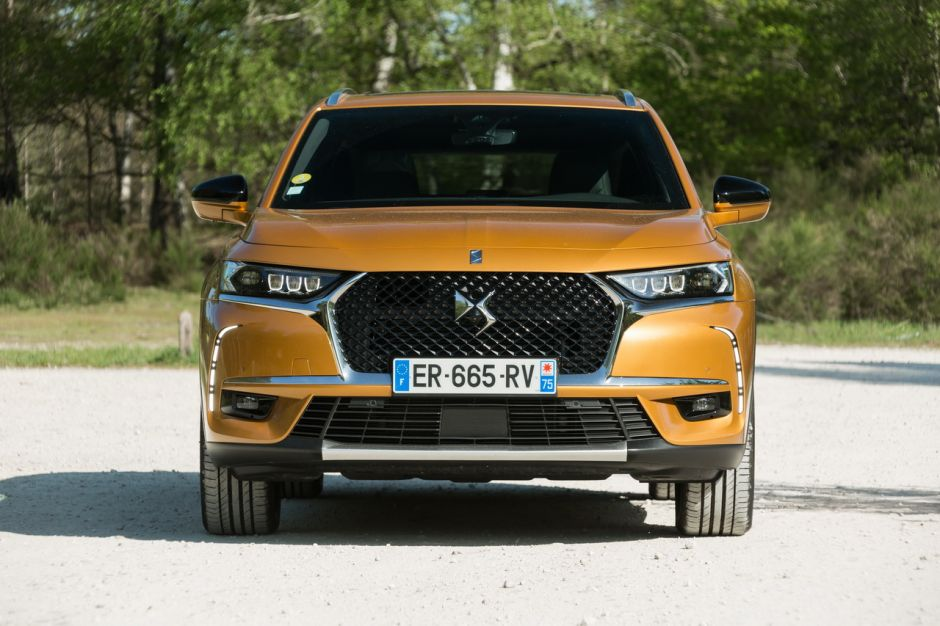 essai comparatif le ds7 crossback affronte le renault. Black Bedroom Furniture Sets. Home Design Ideas
