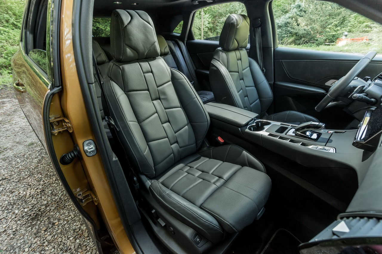 essai comparatif le ds7 crossback affronte le renault espace 5 photo 40 l 39 argus. Black Bedroom Furniture Sets. Home Design Ideas